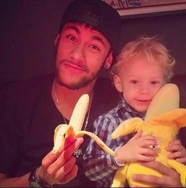 Neymar och hans son i en bild som var planerad långt i förväg