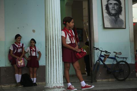 Utbildningssystemet på Kuba har hamnat på efterkälken jämfört med omvärlden.