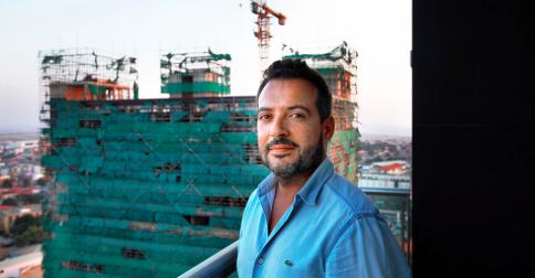 Rui Almeida är en av alla portugiserna som funderar på att dra hem från Luanda.