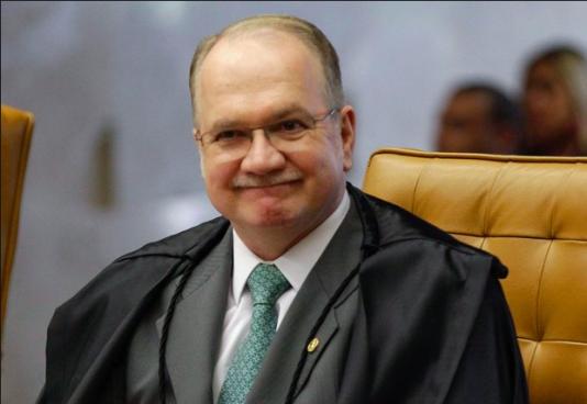 Högsta domstolens Edson Fachin är en av få domare som hittills inte tagit politisk hänsyn i sin bedömning.