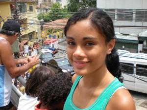 Hon välkomnar Lula till favelan