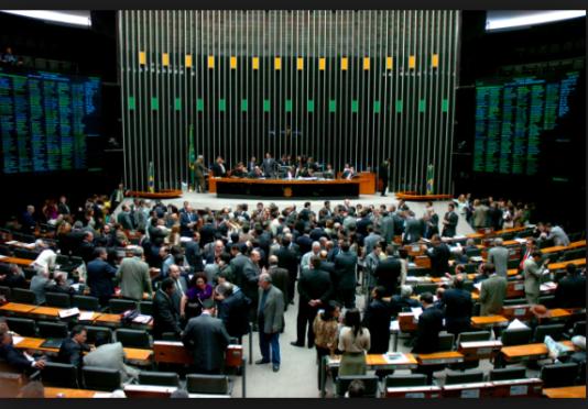Parlamentarikerna snor miljarder kronor ur statskassan, men de kallar varandra i alla fall »ers höghet«