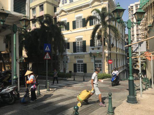 Gamla stan i Macao påminner mycket om Lissabon